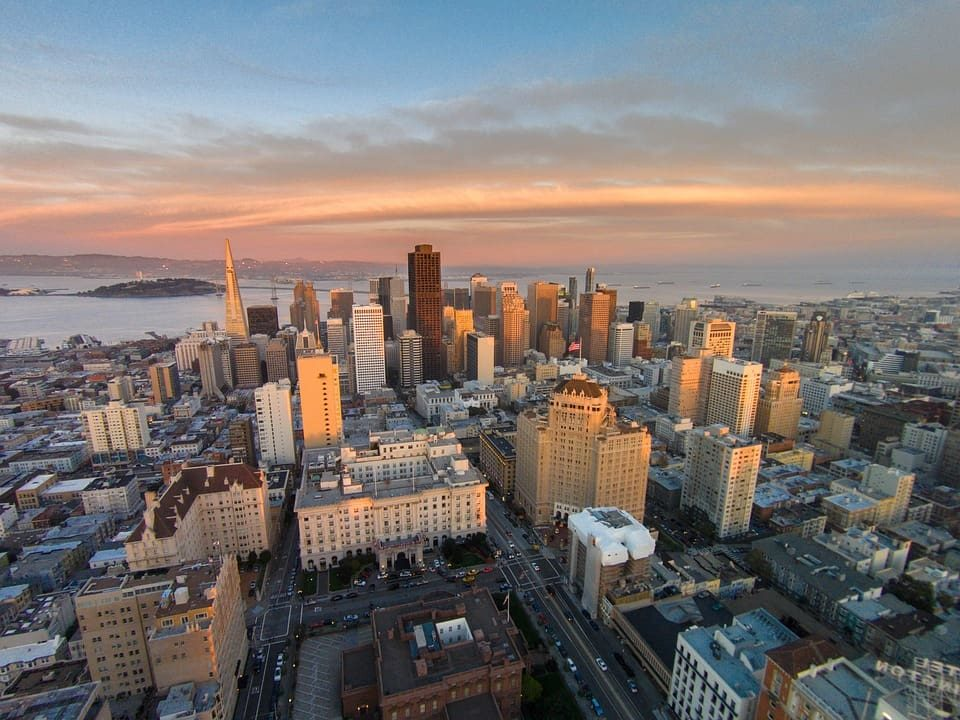Living in San Francisco Pros And Cons: Moving Guide